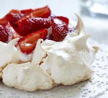 Pavlova – tort bezowy z owocami sezonowymi - sprawdzony przepis