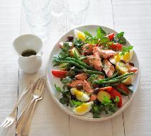 Sałatka nicejska z fasolką szparagową: przepis