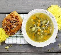 Zupa z młodej kapusty i cukinii - pożywna i tania