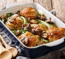 Pyszne udka kurczaka duszone z kapustą i grzybami