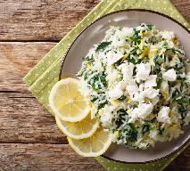 Ryż z łososiem i sosem serowym: przepis na prosty obiad