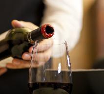 Nalewanie i serwowanie wina - zasady