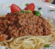 Spaghetti bolognese: przepis na włoskie danie dla 4 osób