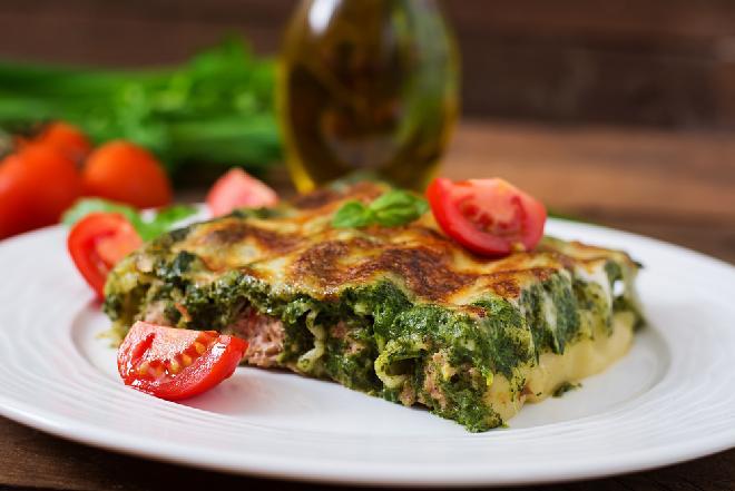 Mielloni cannelloni, czy makaron ze szpinakiem i mięsem, zapiekany z serem