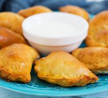 Półkruche pierożki ze szpinakiem: przepis na pyszne i tanie danie