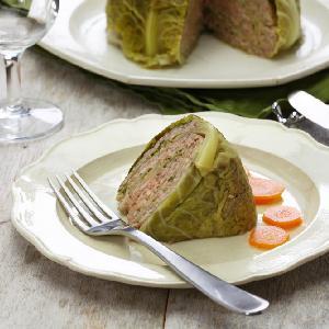 Genialna kapusta faszerowana mielonym mięsem - przepis na kapustę nadziewaną