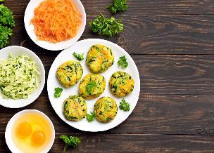 Dietetyczne kotlety z ryżu i warzyw: przepis dla dbających o sylwetkę