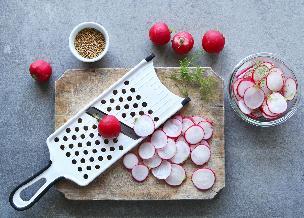 Piklowane rzodkiewki z lodówki: łatwy przepis na pyszną przekąskę