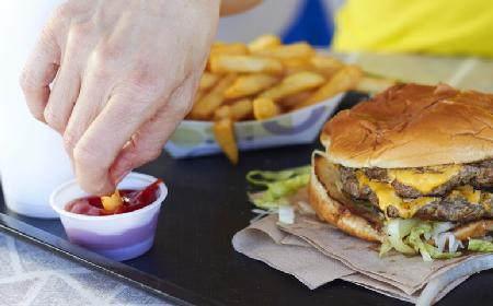 Śmieciowe jedzenie: jak je rozpoznać?