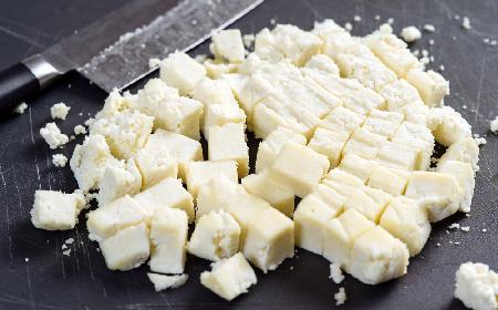 Cytrusowy twarożek paneer: łatwy przepis na serek smakowy
