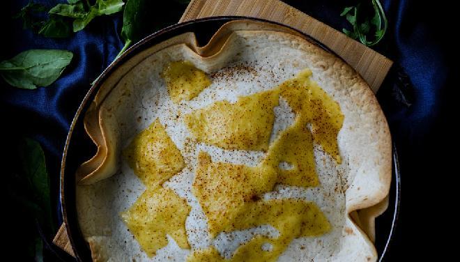 Tortilla z jajkiem i serem na śniadanie: pyszny przepis na ucztę z 3 składników
