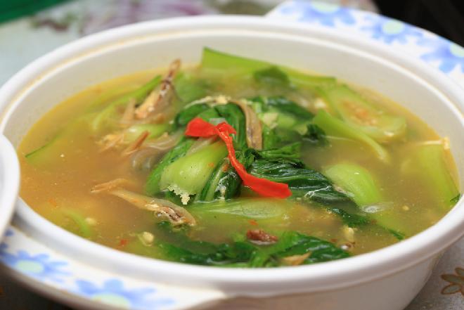 Zupa z kapusty pak choi: słodko-kwaśna zupa z pikantną nutą